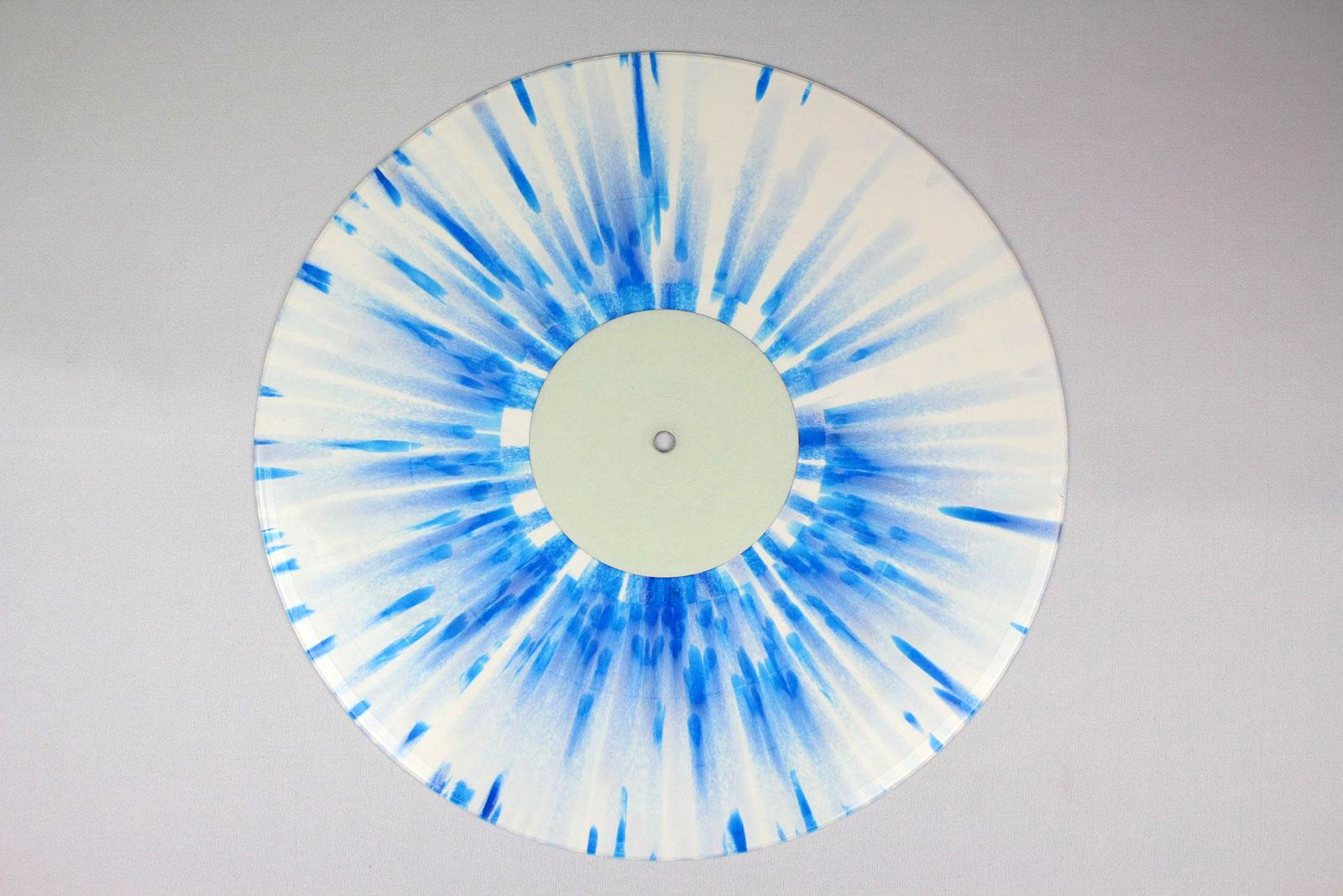 70% white + 30% clear / Splatter: blue