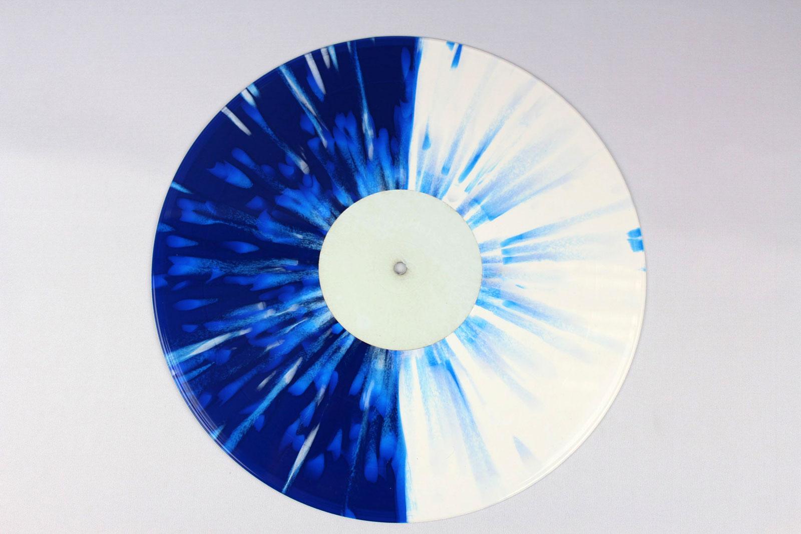 blue / 70% white + 30% clear / Splatter: blue, white