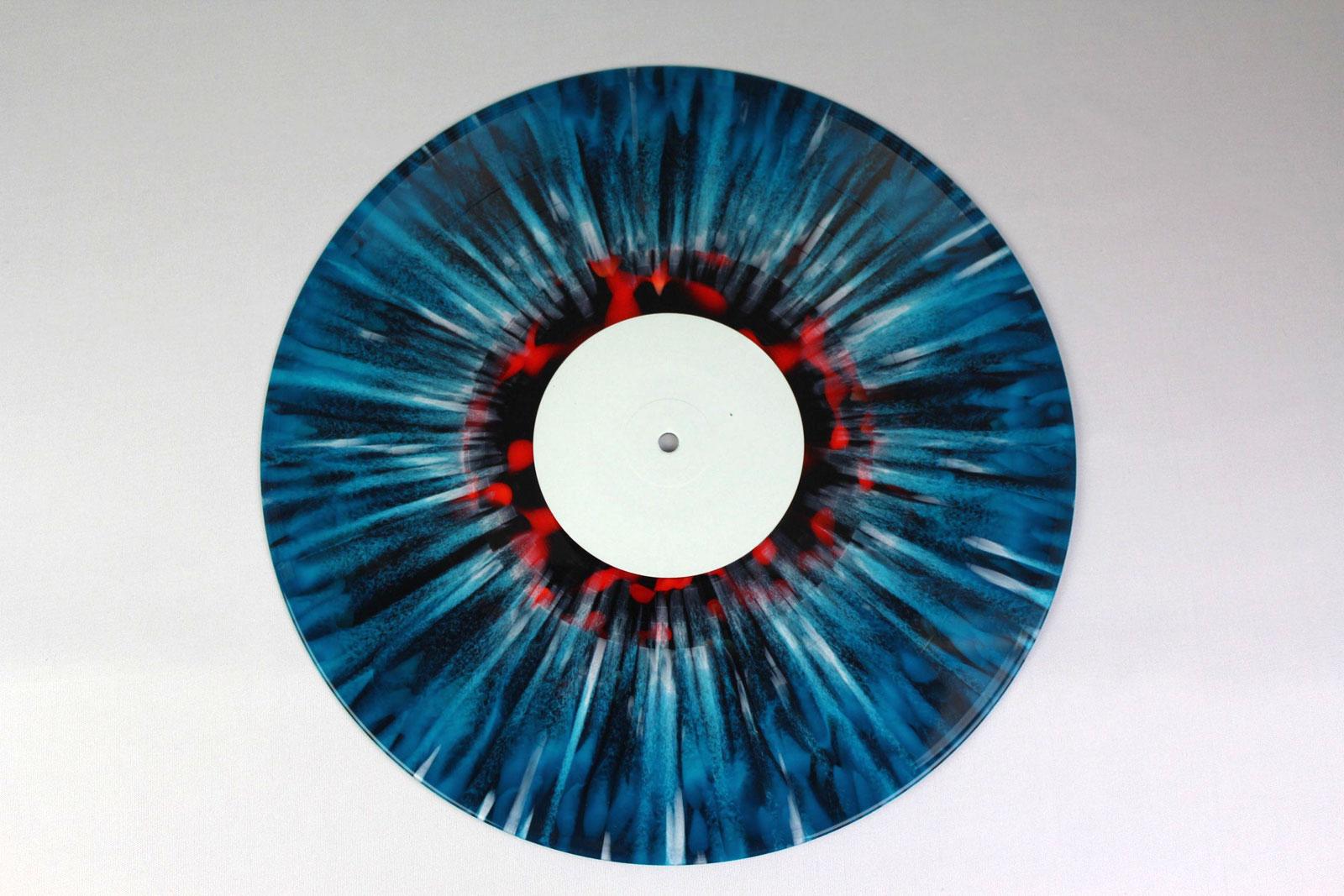 50% green, 50% blue / Splatter: white / coloured circle: red transparent